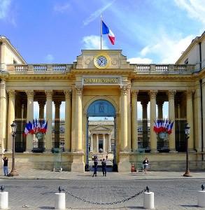 entree-de-lassemblee-nationale-place-du-palais-bourbon1-293x300