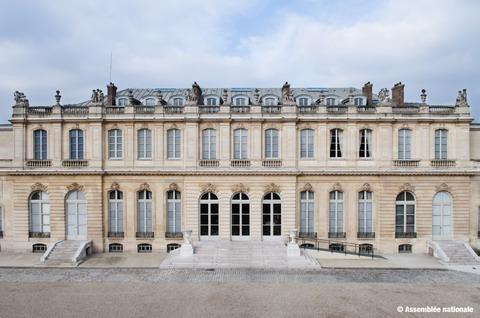 facade-hotel-de-lassay_redimensionner1