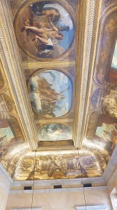 plafond-su-salon-delacroix-ou-se-reunissent-les-deputes-de-gauche-168x300