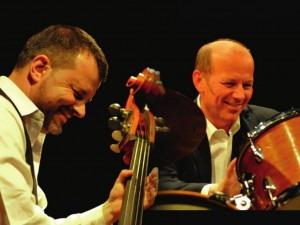 Dani GUGOLZ  - contrebasse et Peter MULLER- batterie