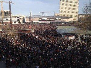 Rennes le 11 janvier à 15 esplanade du Gal DeGaulle devant le Liberté 03