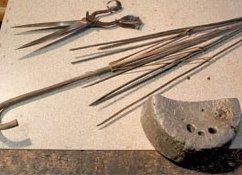 Parapluie ancien et ciseaux du 19ème siècle  02