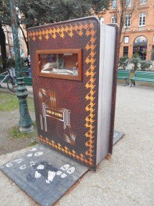 boîte à livre à Toulouse 01